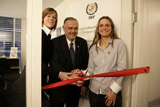 Softball Federation Opens European Office