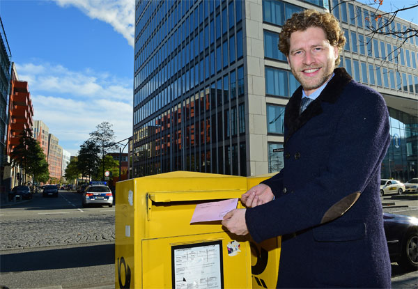 Nikolas Hill, CEO of Hamburg 2024, casts his postal vote in Olympic Bid Referendum (Hamburg 2024 Photo)