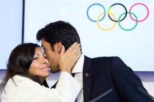 Paris Mayor Anne Hidalgo and Paris 2024 Co-Chair Tony Estanguet celebrate end of IOC visit (Paris 2024)