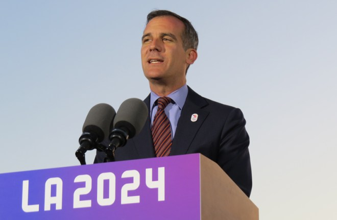 Los Angeles Mayor Eric Garcetti speaks to the press in May, 2017 (GamesBids Photo)