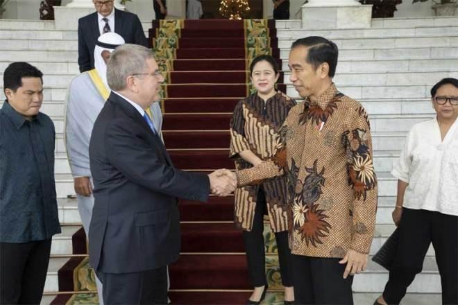 IOC President Thomas Bach (left) meets Indonesia's President Joko Widodo in Jakarta September 1, 2018 (IOC Photo)