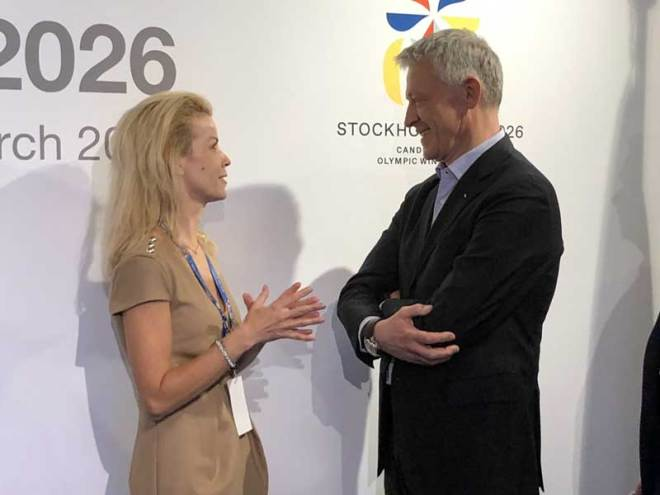 Stockholm Mayor Anna König Jerlmyr (left) meets IOC Evaluation Commission Chair Octavian Morariu at bid presentation March 15, 2019 (GamesBids Photo)