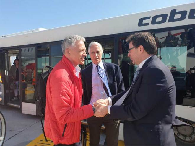 IOC 2026 Evaluation Commission Chair Octavian Morariu (left), CONI President Giovanni Malago and Italy's under-secretary for sport Giancarlo Giorgetti at Venice Marco Polo Airport (CONI Photo)