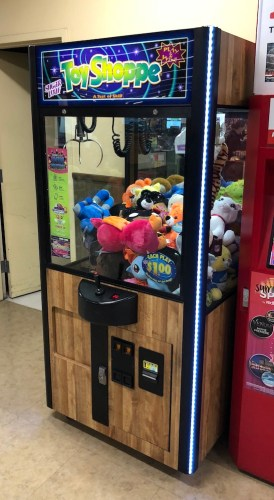 Image of a claw machine in pleasanton at safeway