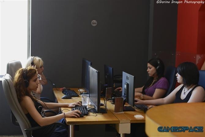 gamespace-gr-inspot-girls-1vs1-1