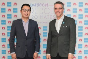 Kevin Linbing, Country Manager των Devices για την Huawei στην Ελλάδα & Χαράλαμπος Καρίμαλης Πρόεδρος Eλληνικού Οργανισμού Τουρισμού