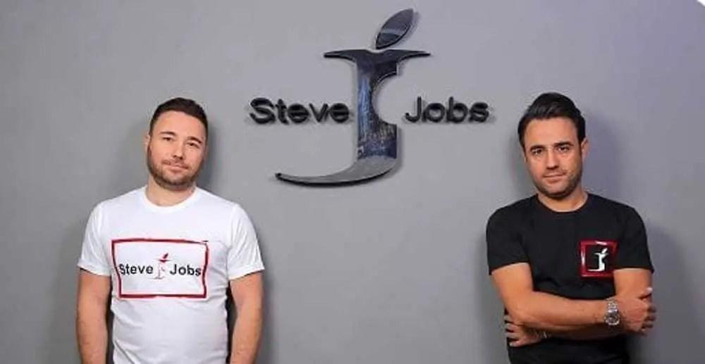 Steve Jobs è un'azienda napoletana (che non produce smartphone)