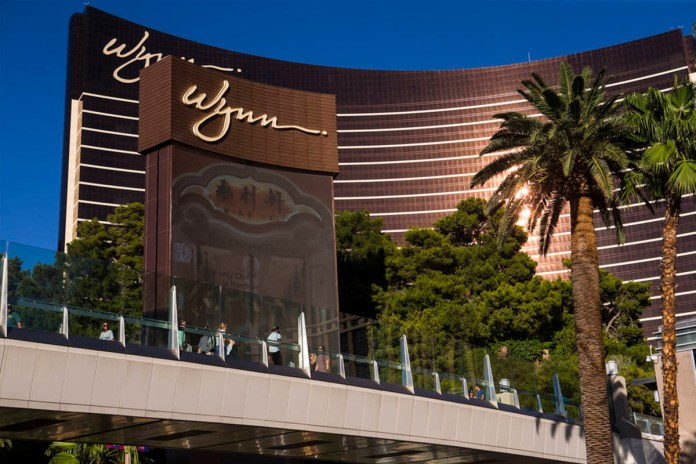 Wynn CEO Calls for Conditional Reopening of Las Vegas Strip in May