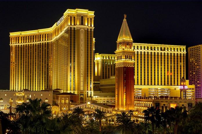 Las Vegas Sands Extends Employee Pay, Benefits Through October 31