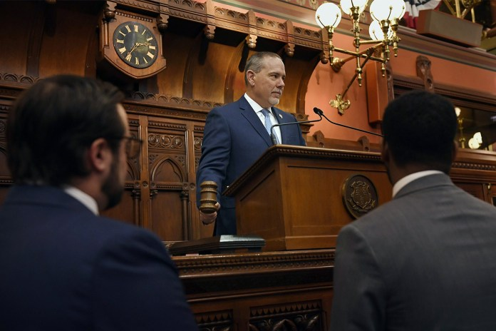 Connecticut Lawmakers Propose to Legalize Online Gambling to Fund PACT Program