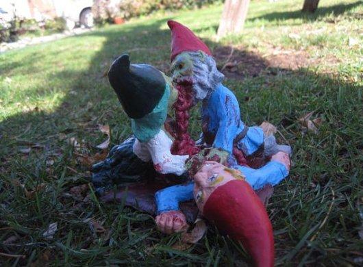 Blut! Und Gartenzwerge. (Foto: Etsy.com)