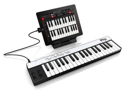 Mit dem iPad ergibt sich ein kleines Musikstudio (Foto: IK Multimedia)