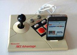 Mit etwas Tüfteilei hätte auch das iPad auf dieser Docking-Station Platz finden können. (Foto: Etsy)