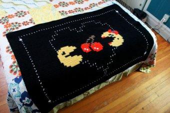 Eine Überdecke im Pac-Man-Stil. (Foto: Etsy)
