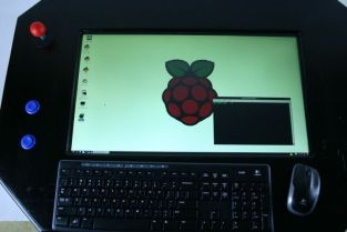 Selbst gemacht - der Tisch mit Raspberry Pi-Computer. (Foto: instructables.com)