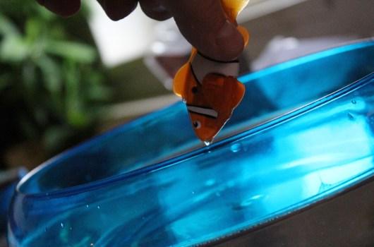 Plastik schwimmt im Wasser. (Foto: GamingGadgets.de)