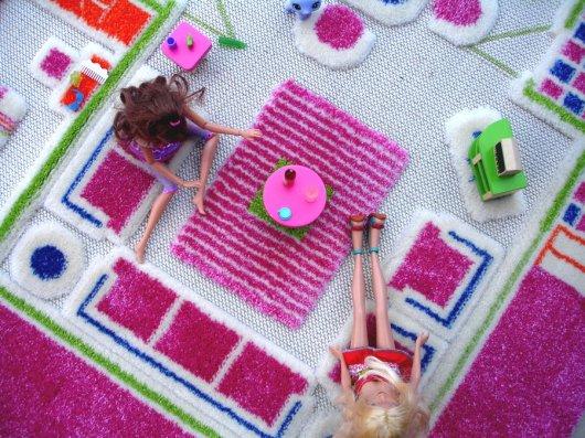 Kaffeeklatsch mit Barbie & Co. (Foto: lucaandcompany.com)