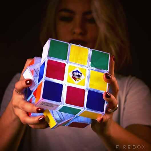 Rubik's Cube Light - gewinnt ihn bei uns!