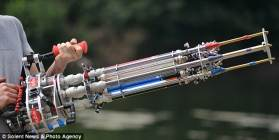 Water Gatling Gun (Foto: dailymail.co.uk)