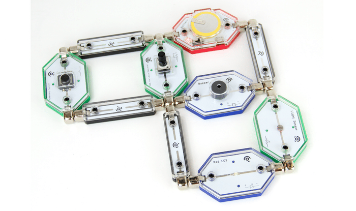 So werden Stromkreise gebaut. (Foto: Lightup.io)