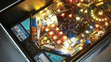 R2-D2 Tisch. (Foto: Altar Furniture)