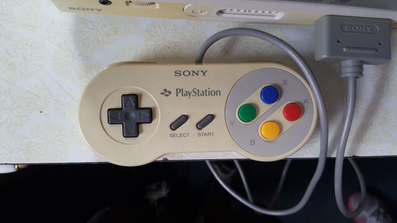 SNES-Controller mit Sony-Schriftzug. (Foto: Reddit)