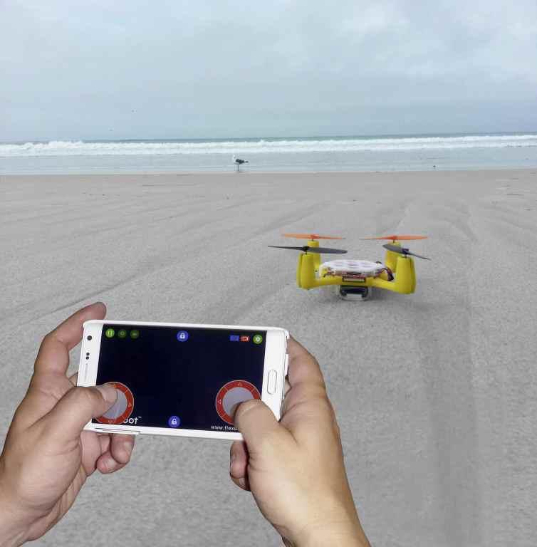 Gesteuert wird mit Smartphone oder Tablet. (Foto: Conrad)