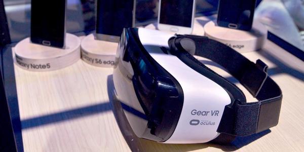 Neues Modell, aber es benötigt ein aktuelles Samsung-Smartphone. (Foto: Samsung Mobile)