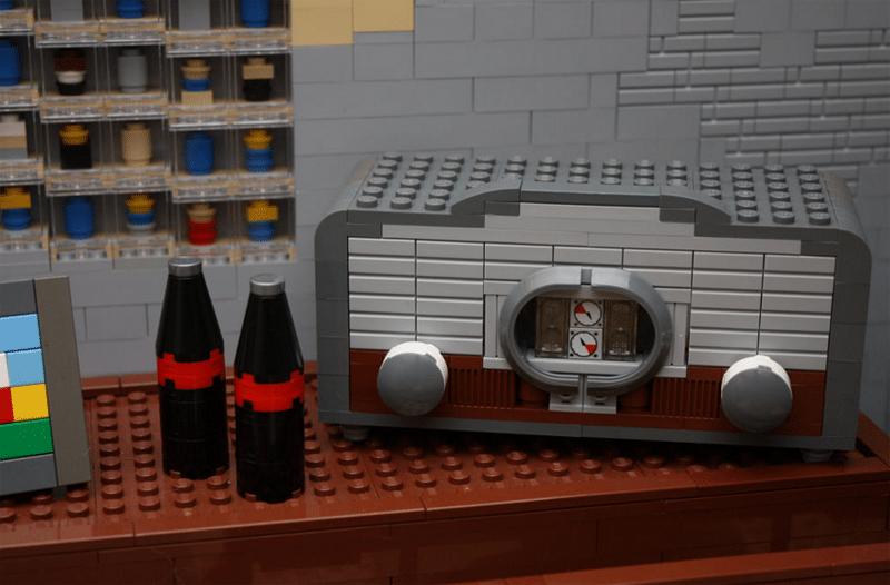 Radio? Check! Cola? Check! (Foto: Pierre Import)