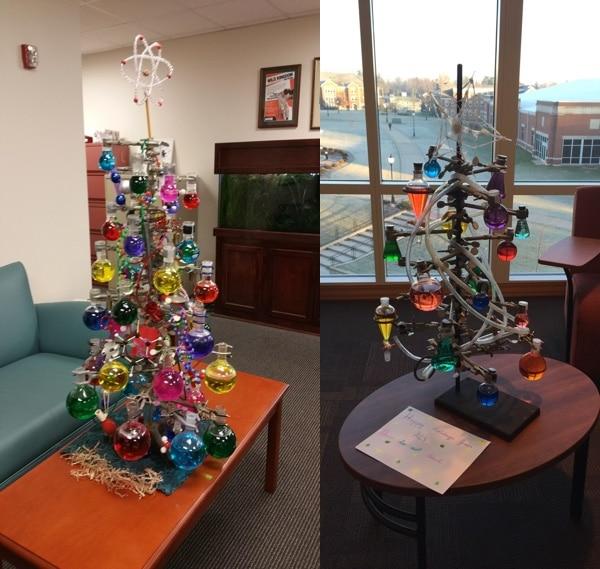 Weihnachtsbäume für Chemiker. Schräg. (Foto: Reddit / NerdApproved)