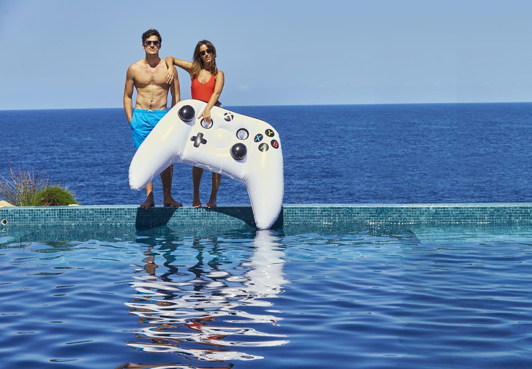 Aufblasbarer Xbox One Controller. (Foto: Microsoft)