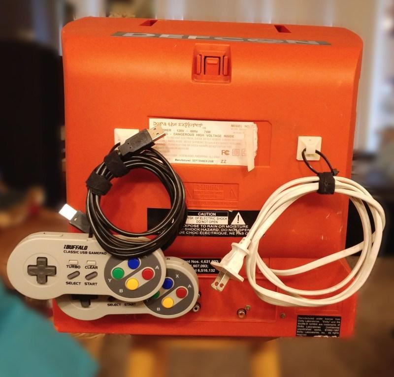 Gute Idee: Auf der Rückseite werden die Controller verstaut. (Foto: Hackaday)