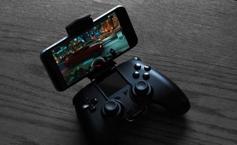 Optional ist eine Smartphone-Halterung erhältlich. (Foto: Digital Depth)