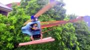DIY Helikopter: Hubschrauber aus LEGO, Plastikflasche und Holzstielen gebaut