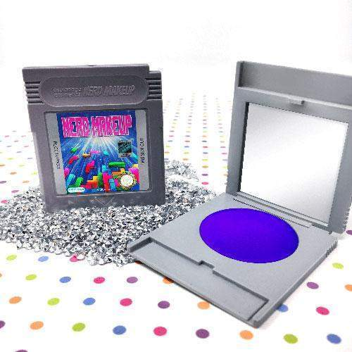 Gameboy Lidschatten. (Foto: Espionage Cosmetics)