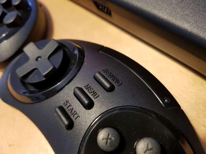 Einfach zurückspulen. Eine nette Funktion vom Sega Mega Drive Flashback HD. (Foto: Sven Wernicke)