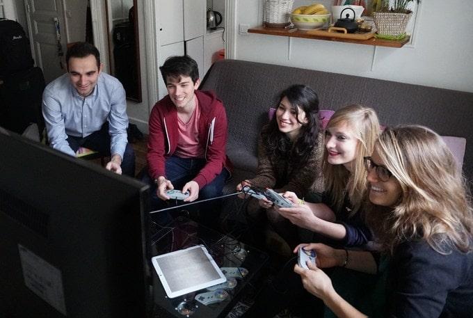 Gute Sache: Dank der USB-Ports sind Multiplayer-Games mit zusätzlichen USB-Controllern kein Problem. (Foto: 8BCraft)