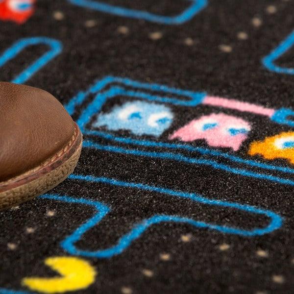 Der Fußabtreter stellt auch ein Pac-Man-Szenario dar. (Foto: Balvi)