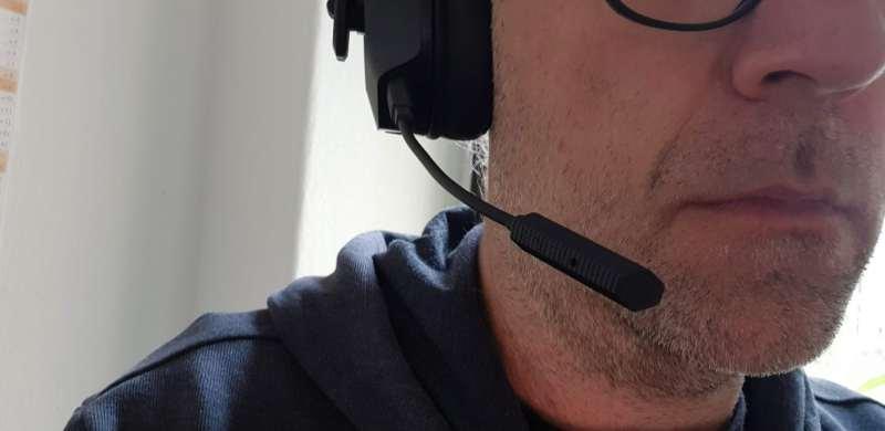 Das Mikrofon lässt sich auch abnehmen. (Foto: Sven Wernicke)