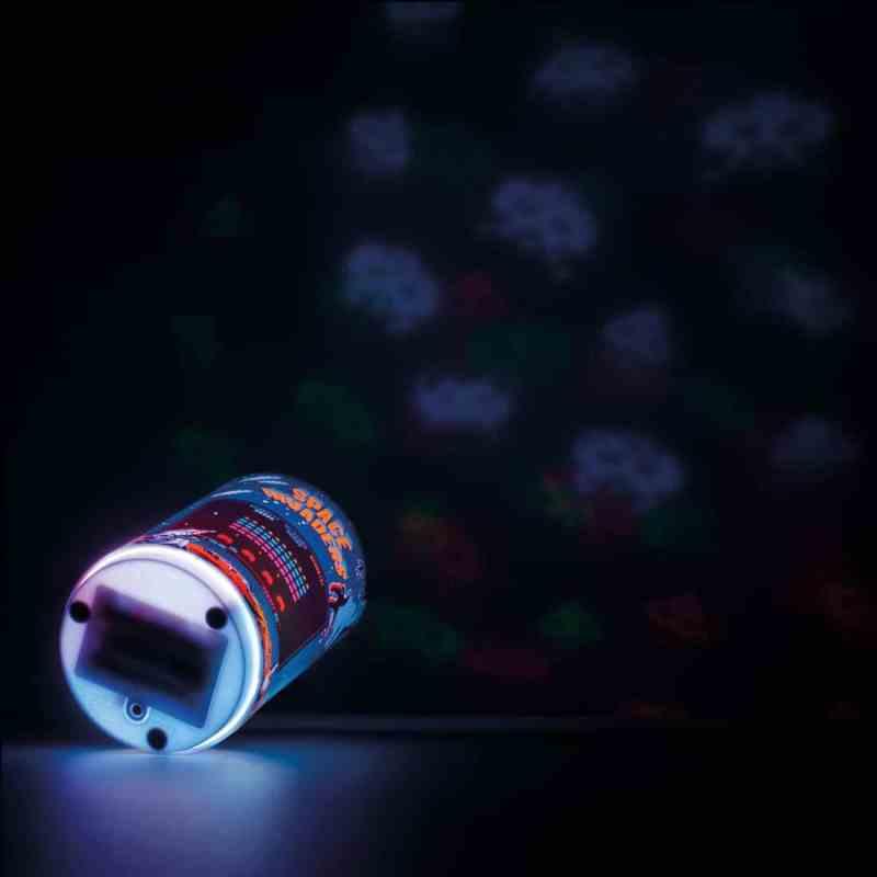 Witzig ist die Projektionsfunktion der Space Invaders Lampe. (Foto: GetDigital)