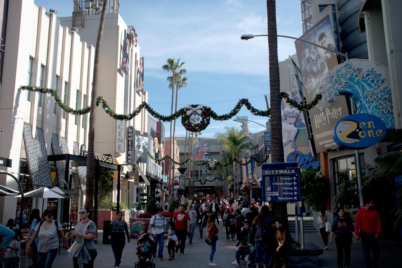 Universal Studios Hollywood Grinchmas and Hogwarts Holiday 2017 Review  GamingShogun