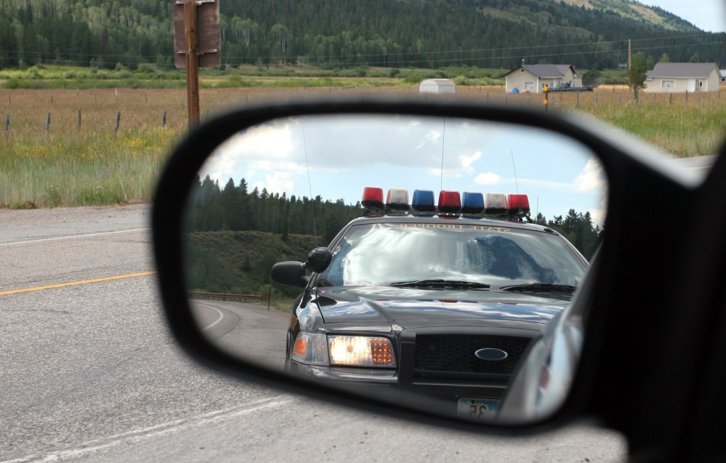 What to Do if You're Pulled Over in Milwaukee - Carlos Gamino