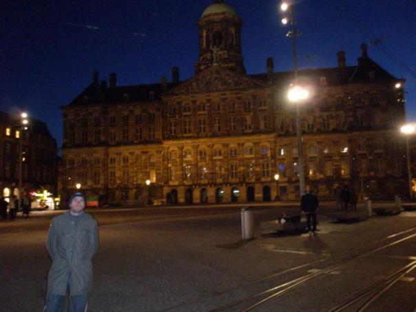 Paseo nocturno , en Amsterdam .
