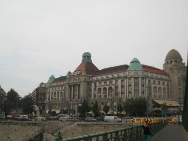 Paseando , en Budapest .