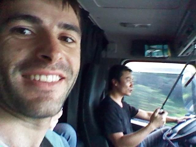 Traveling Taiwan. Hitchhiking.