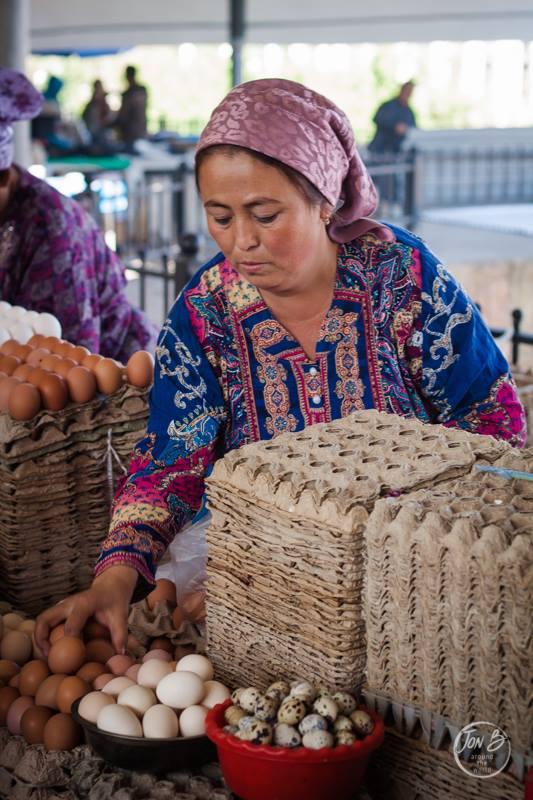Travel Uzbekistan. Street market