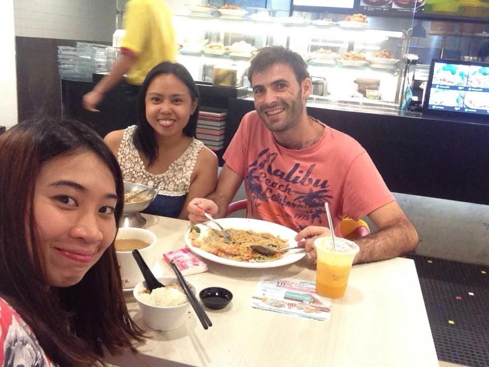 Meet up, travel Singapore.