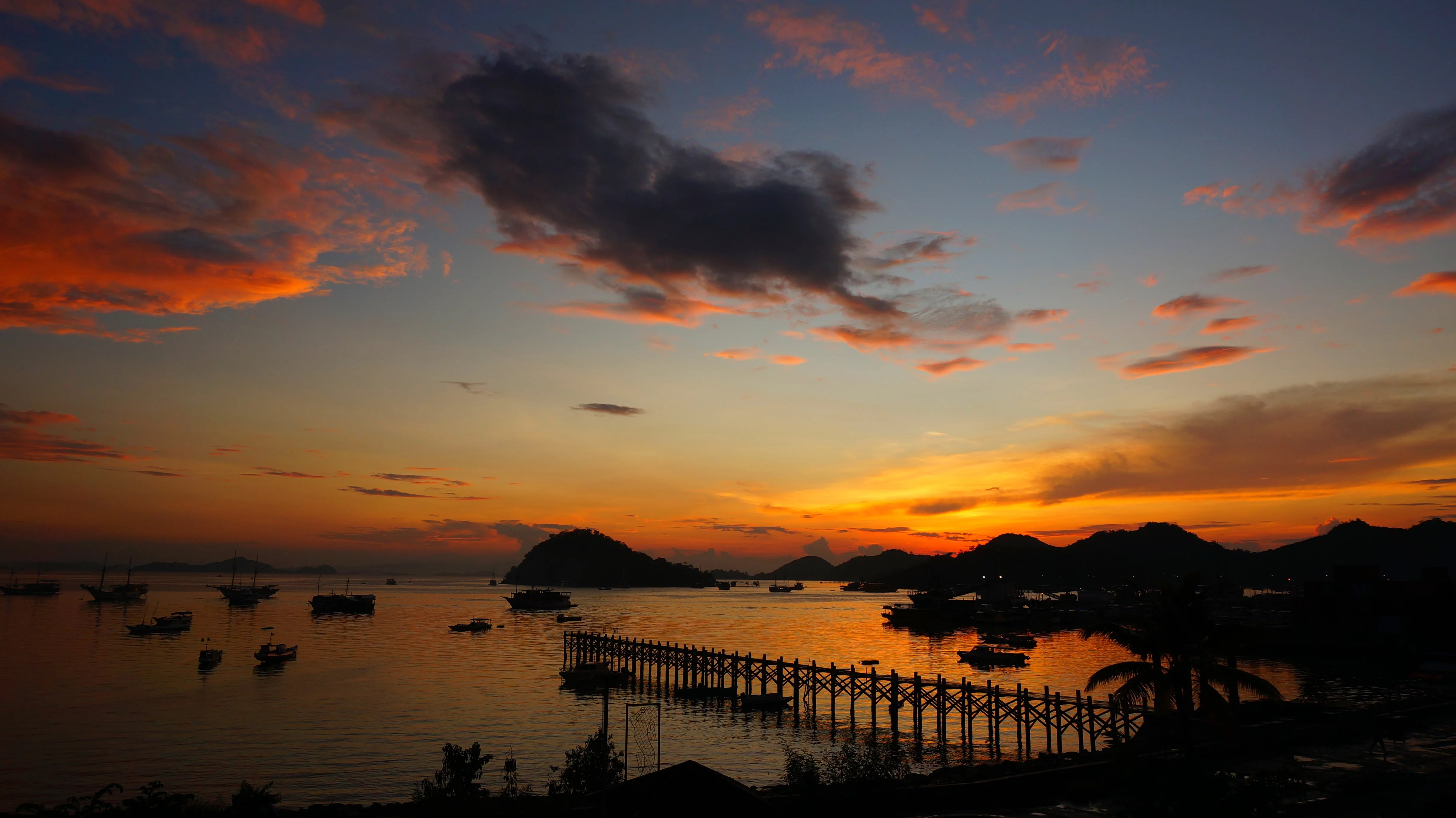 Amazing Sunsets From All Around The World Gamintraveler - 25 incredible photographs will make want go indonesia