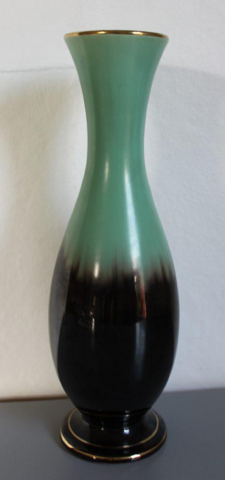 Vas i keramik från Bay