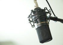 ganar dinero grabando audios